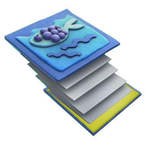 Poner dibujos de fieltro en la portada de la libreta para decorar la manualidad
