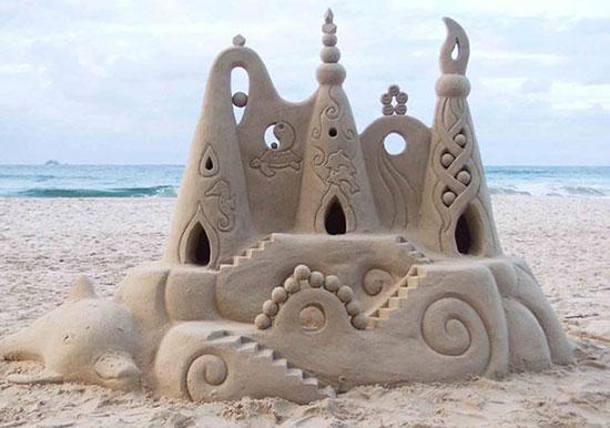 castillo-arena-gaudi