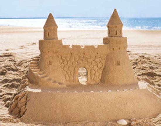 castillos-arena-playa-con-ninos