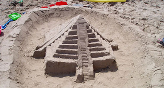 figuras-arena-playa-piramides