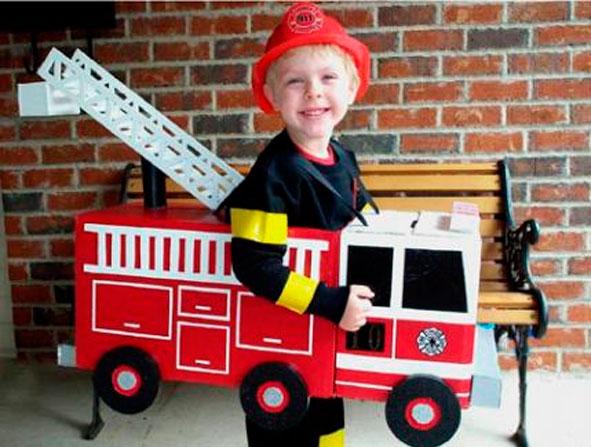 bombero-disfraces-reciclados-carton-disfraces-carnaval