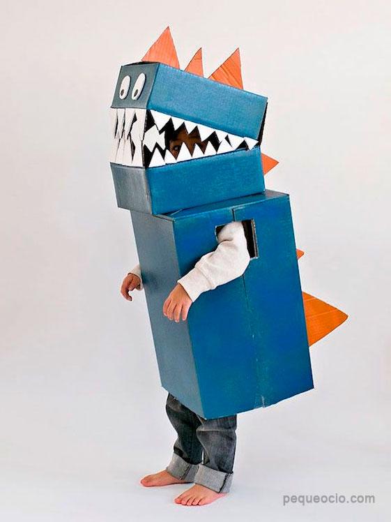 dinosaurio-disfraces-reciclados-carton-disfraces-carnaval